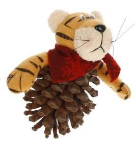 Тигр на шишке - поделка