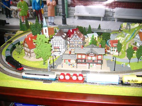 макет железной дороги.