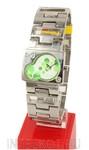 Green Bubbles. Кварцевые наручные часы Q&Q. Регулируемый стальной браслет
